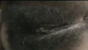 Morena safada mostrando seu bucetão peludo
