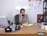 Secretária madura fodendo com o patrão safado