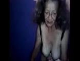 Velha da buceta peludona mamando novinho tarado