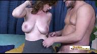 Pornos Puta dos peitos grandes trepando com seu patrão