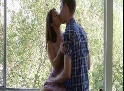 Namorada bonita da buceta inchada transando bem gostoso