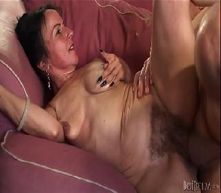 Xvideos velha peluda dando pro amante