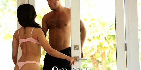 Porno x video mocinha safadinha dando empinada para o homem safado